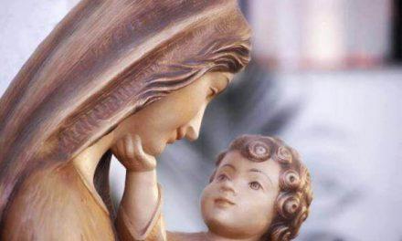 Maria… Nos ensina a ser misericórdia