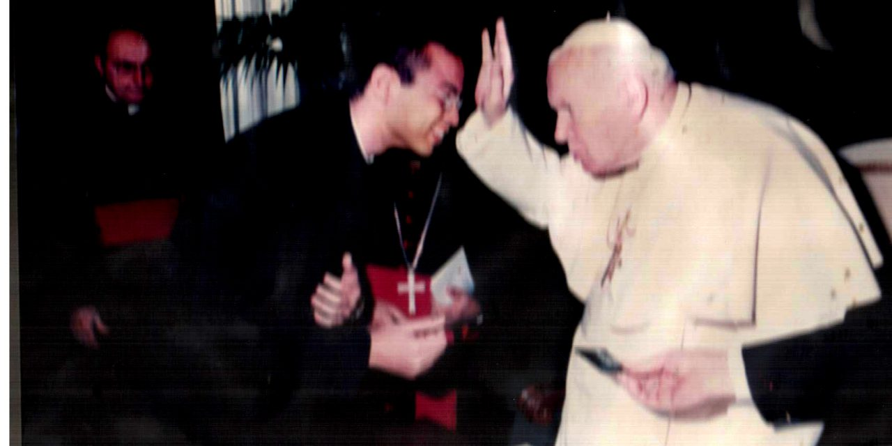 João Paulo II: Inspiração para o sacerdócio do Pe. Delton Filho