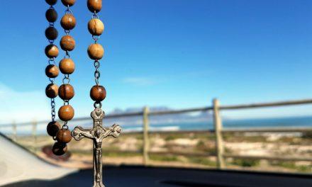 Como Surgiu a Oração do Santo Rosário