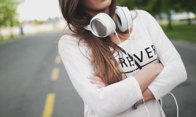 Eu Sou o Que Escuto? A influência da Música na mente e na formação do Jovem.