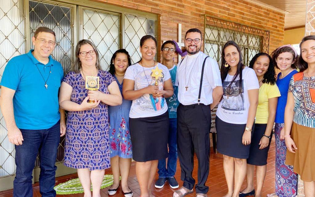 Fundador da Comunidade Sagrada Família visita Comunidade Coração Fiel