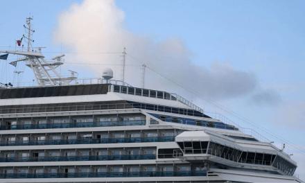 Cerca de 230 tripulantes deixam navio Costa Fascinosa em Santos