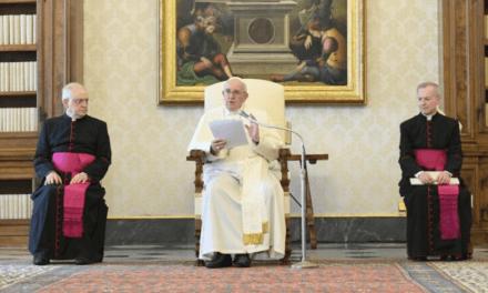 Papa Francisco: Rezar é o mistério mais íntimo de nós mesmos