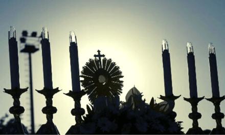 """Sem manifestações públicas, viver Corpus Christi com uma """"vida eucarística"""""""