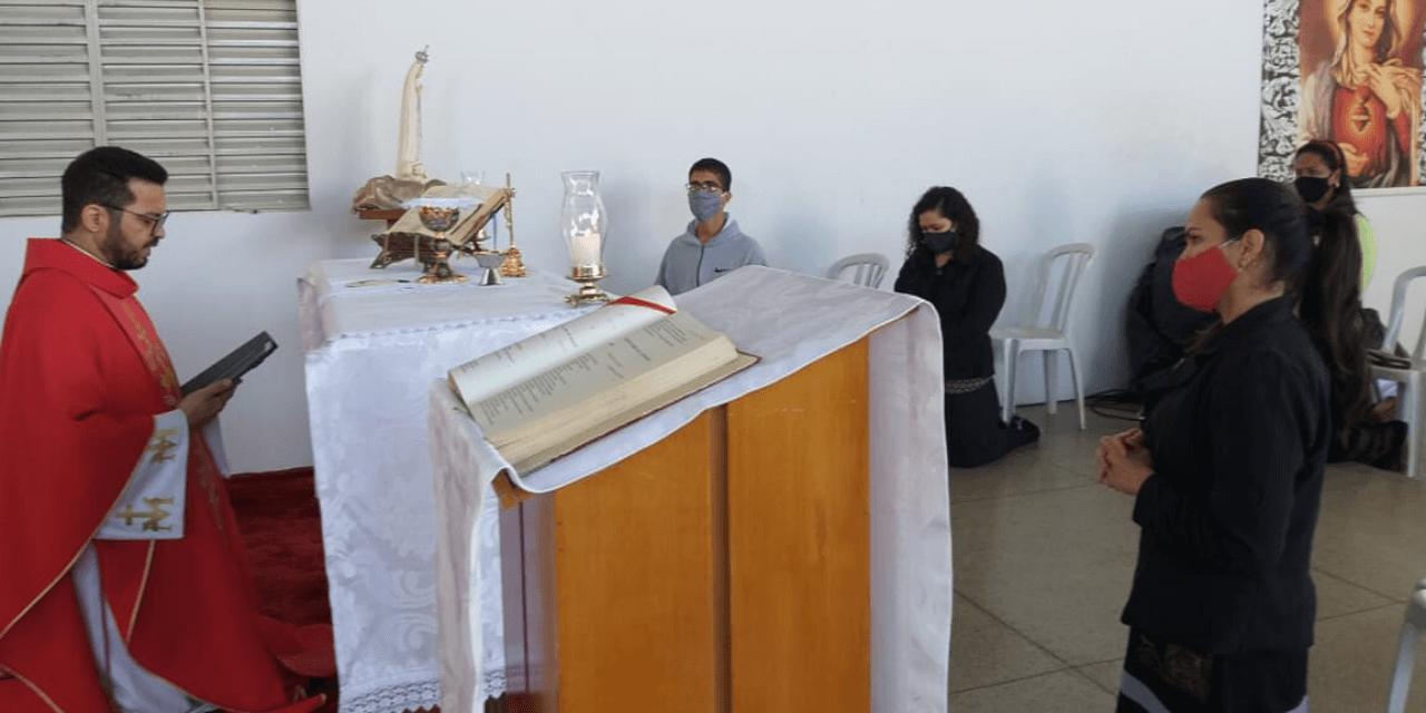 Comunidade Coração Fiel no mês do Preciosíssimo Sangue de Jesus