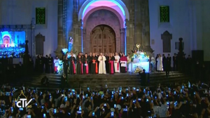 Papa Francisco na catedral em Quito
