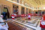 Manhã de sexta inicia com celebração da Santa Missa para Irmãs Religiosas